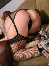Madelyn Monroe likes big and black from Blacks on Blondes