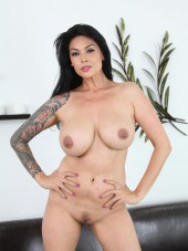 Tera Patrick boobs at CherryPimps